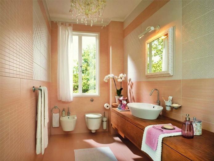 персиковая плитка в ванной