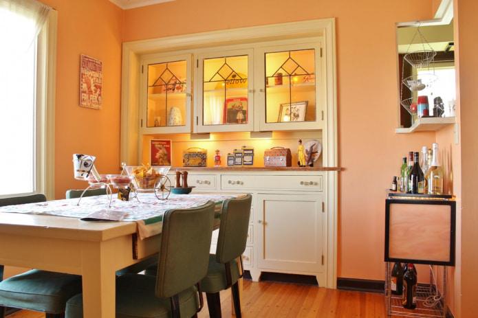 персиковый цвет на кухне