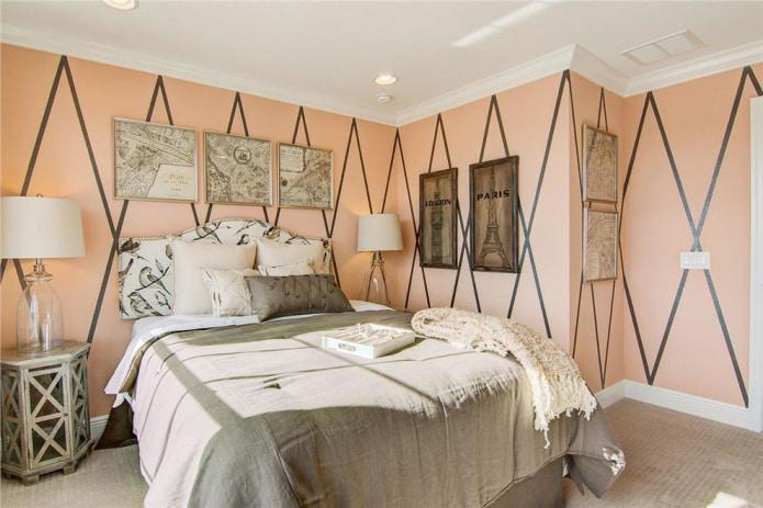 Серо-персиковая спальня