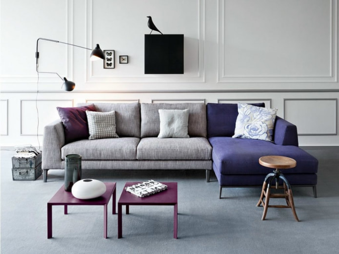 модульный диван с синими вставками