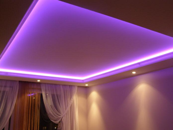 парящая конструкция с фиолетовой подсветкой