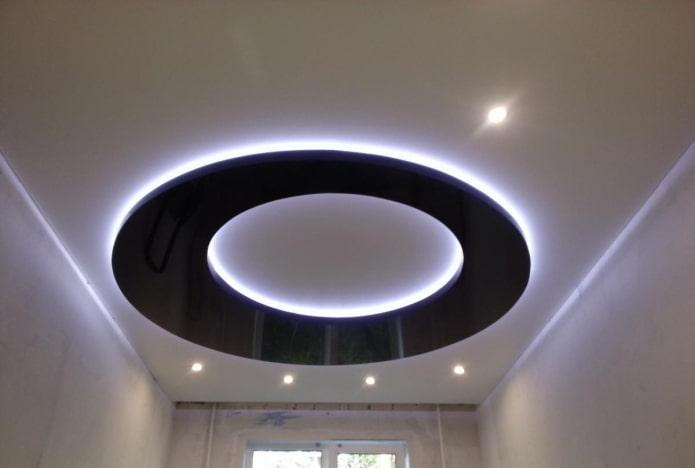 парящая конструкция в форме круга