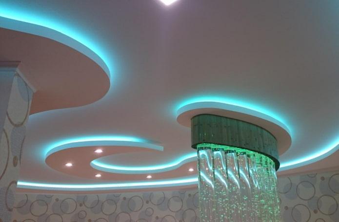 парящая конструкция с голубой подсветкой