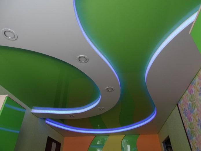 парящая потолочная конструкция