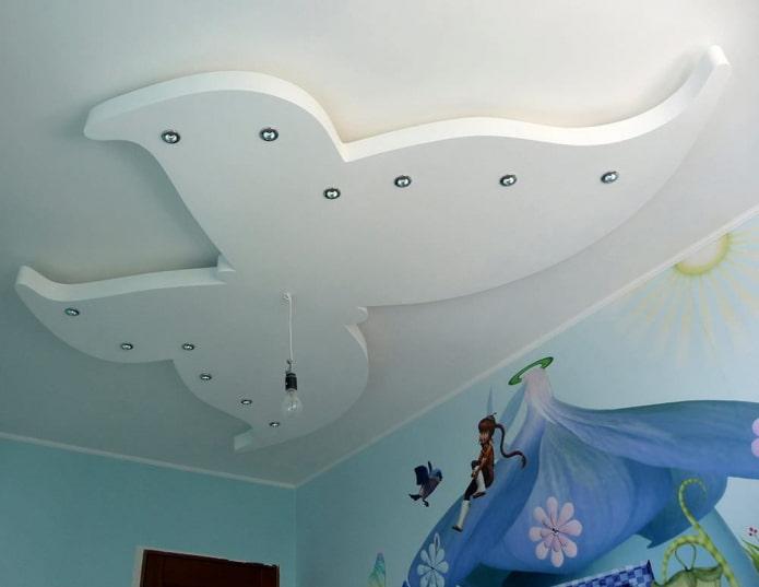 конструкция из гипсокартона в форме бабочки