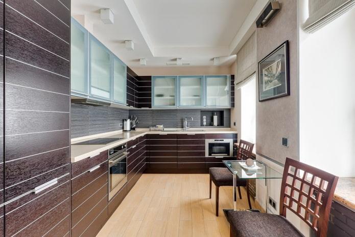 гипсокартонная конструкция в узкой комнате