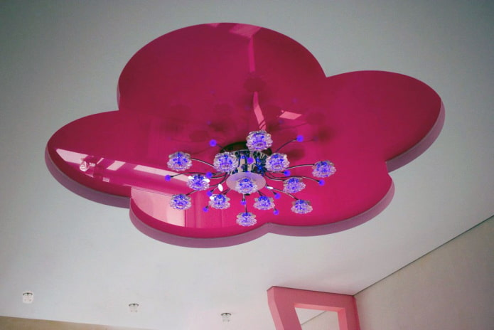 двухуровневая натяжная конструкция в форме цветка