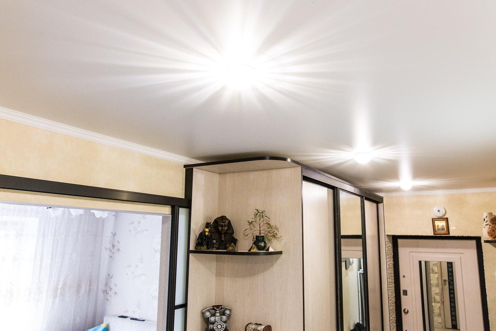 продолжаем матовые натяжные потолки в коридоре фото медицинской литературе можно