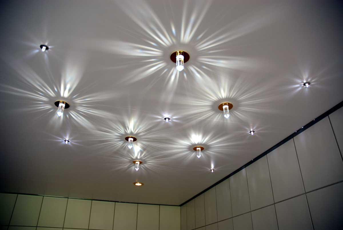 вполне натяжные потолки с лампочками фото в спальне динамическими