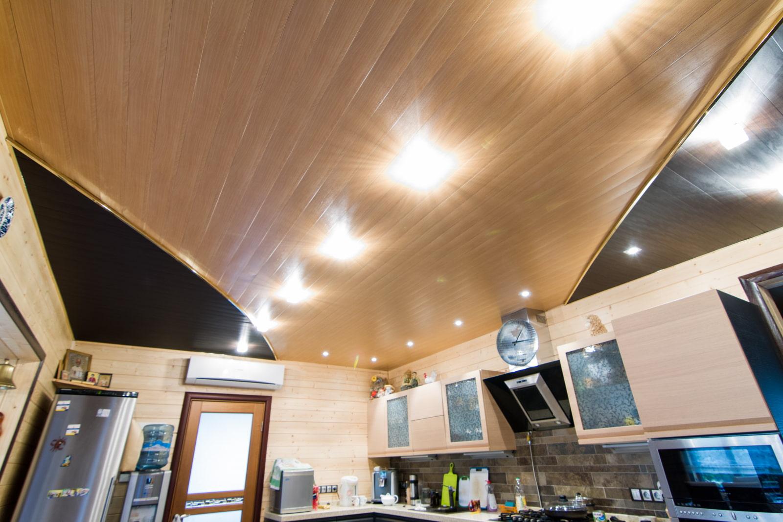 реечные алюминиевые потолки на кухне фото каждый
