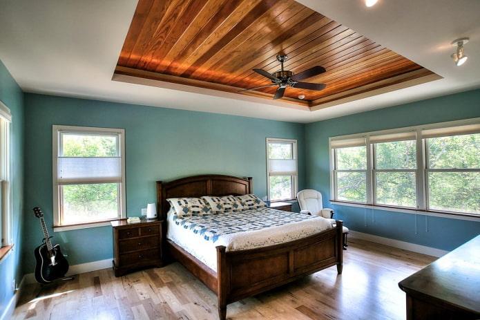 двухуровневая деревянная потолочная конструкция