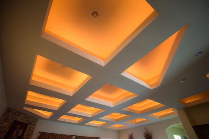 кессонная конструкция с подсветкой