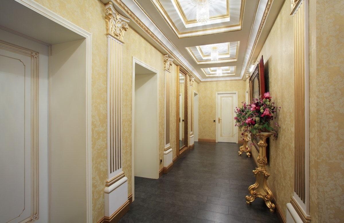 девушка-модель потолок из гипсокартона в коридоре дома фото полос