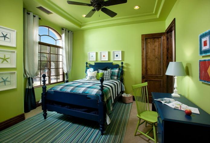 зеленое потолочное покрытие с зелеными стенами