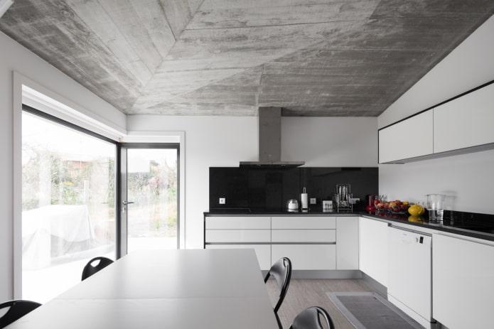 деревянное потолочное покрытие серого цвета