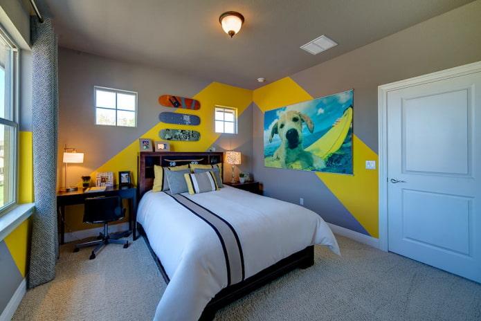 потолок окрашенный в серый цвет