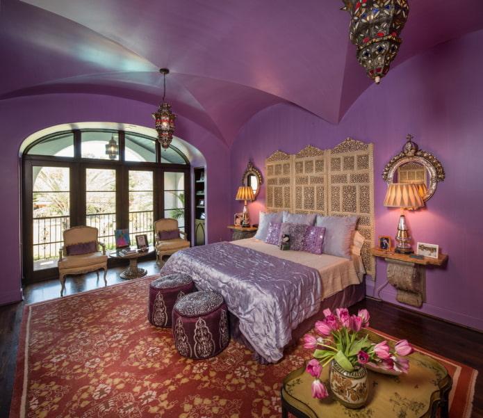 сатиновый потолок сиреневого цвета