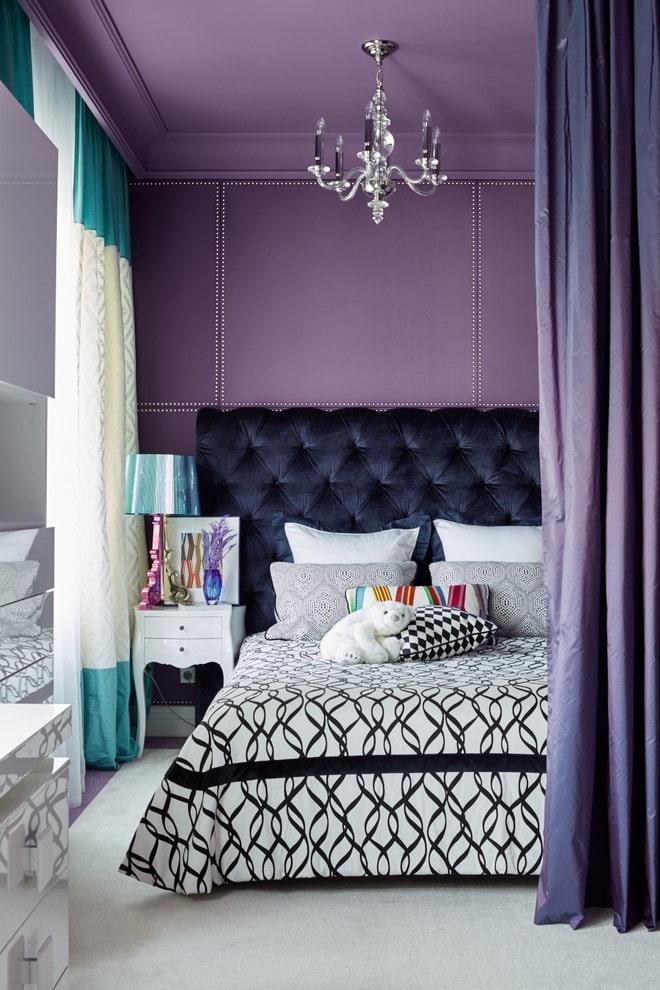 матовый потолок лилового цвета