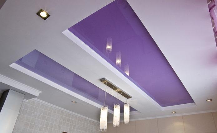 бело-сиреневый потолок