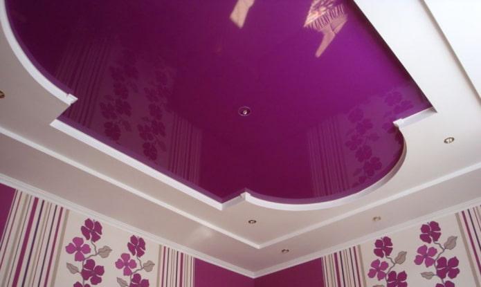 Фиолетовый натяжной и подвесной потолок - 57 фото в интерьере