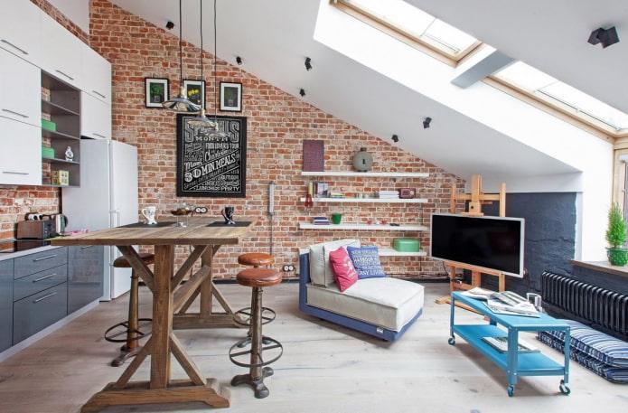 потолочная конструкция на мансарде в стиле лофт