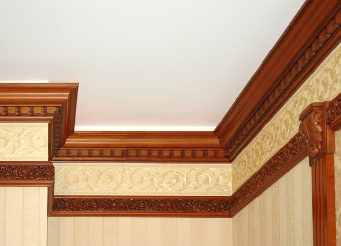 деревянная потолочная галтель