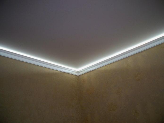 потолочные галтели с подсветкой