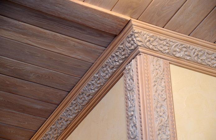 деревянные галтели с потолком из вагонки