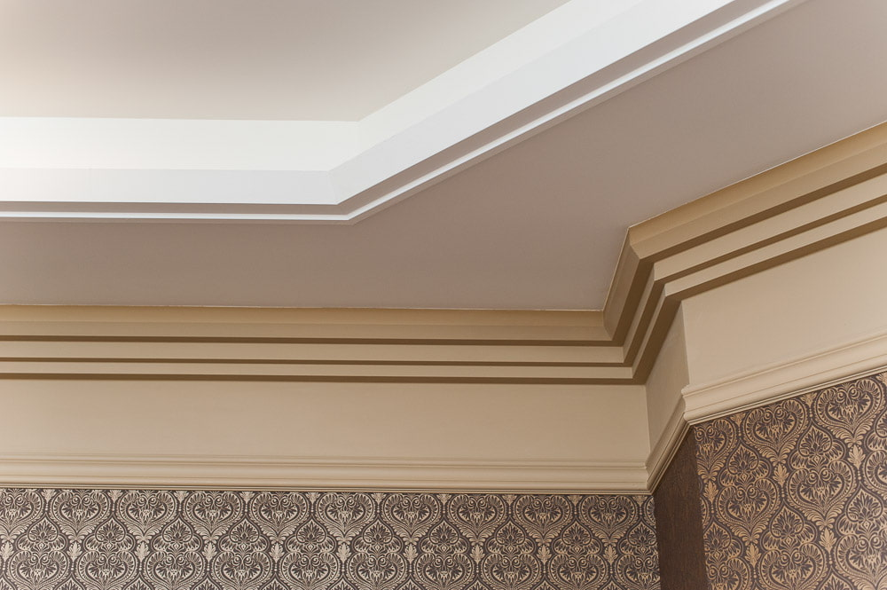 фото применения багетов на потолок больше сведений
