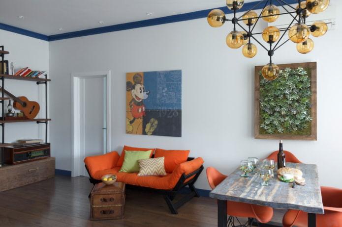 синий плинтус для потолка