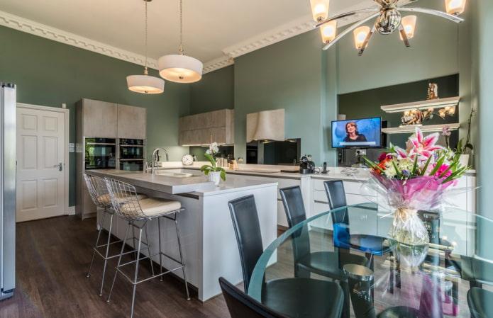 потолочные галтели в интерьере кухни