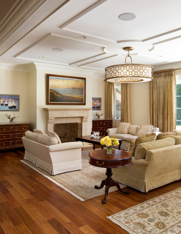 молдинги потолочные в гостиной