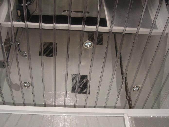 зеркальная реечная подвесная конструкция