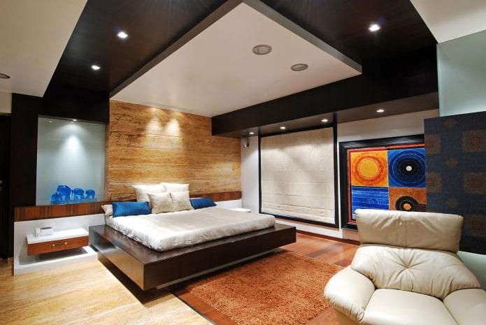 двухцветный потолок в интерьере