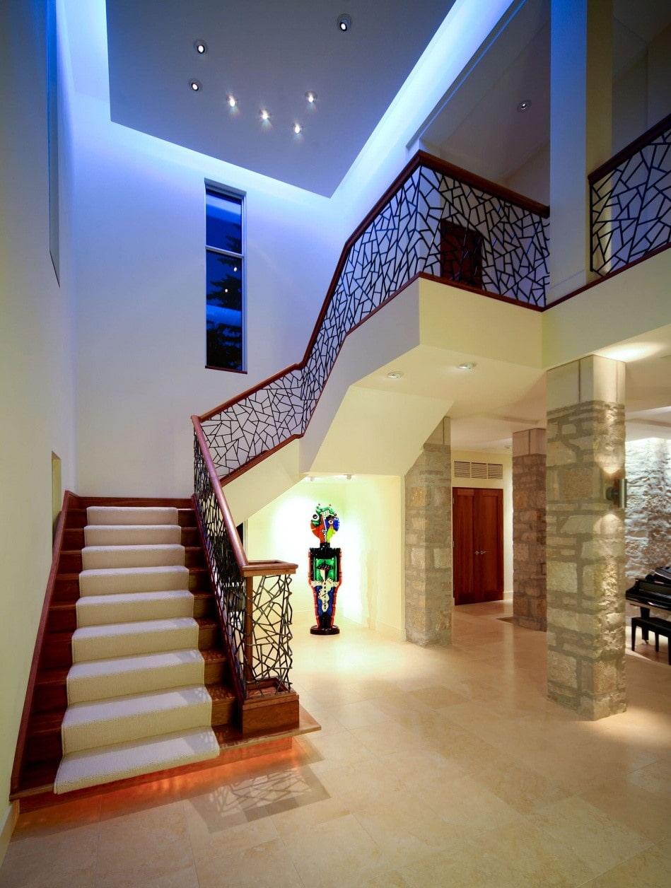 Потолки и лестницы картинки