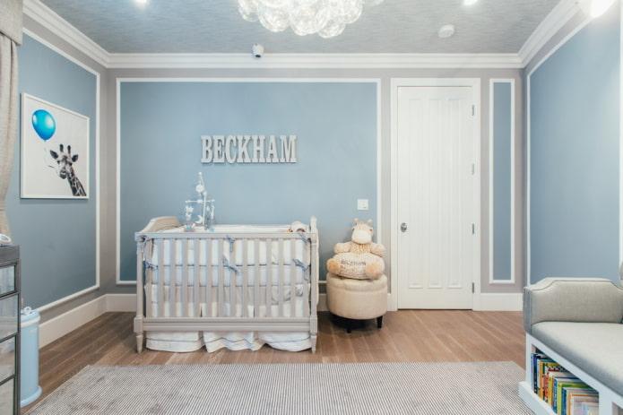 стены голубого цвета в комнате ребенка
