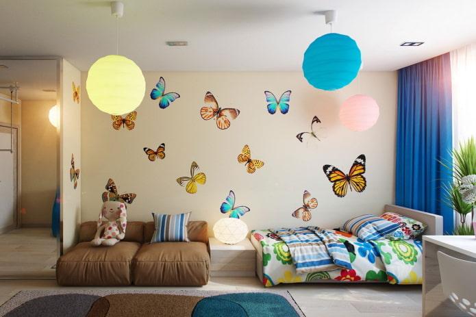 настенные наклейки в виде бабочек в детской