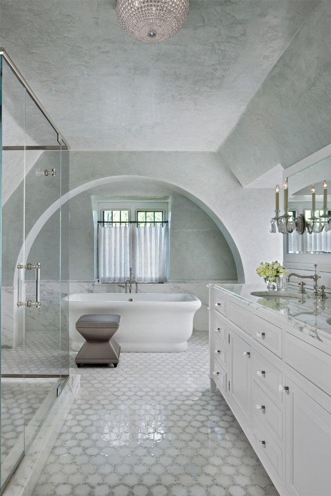 штукатурка на потолке в интерьере ванной