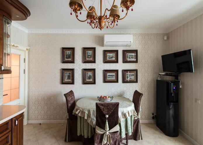 декор кухонных стен в классическом стиле