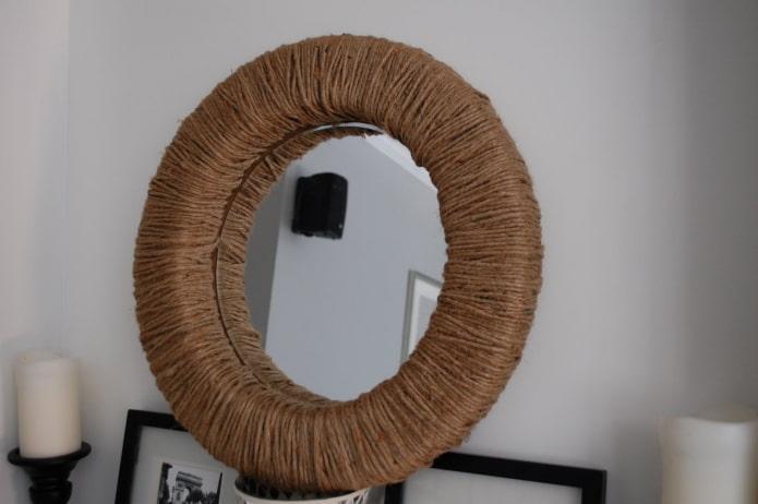 зеркало декорированное веревкой