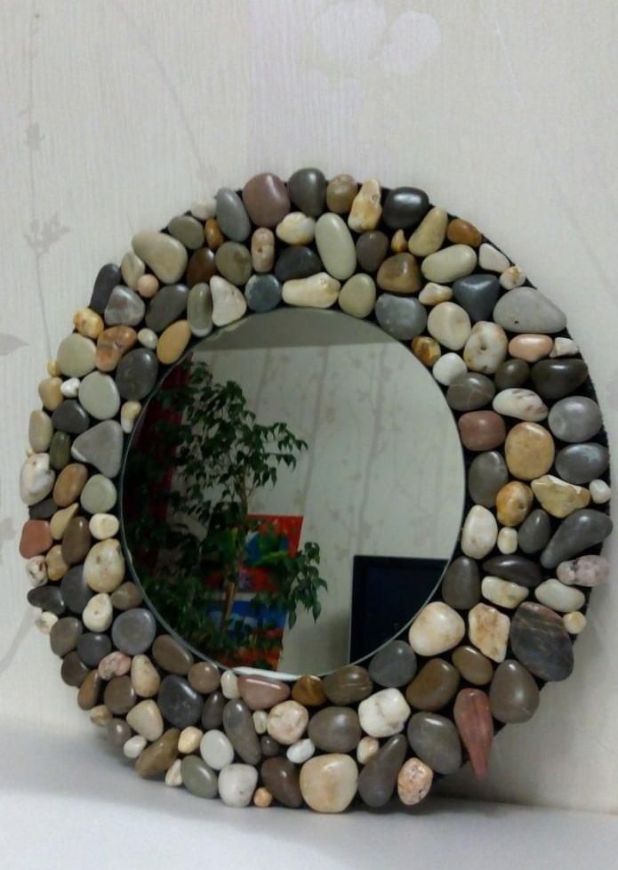 зеркало декорированное камнями