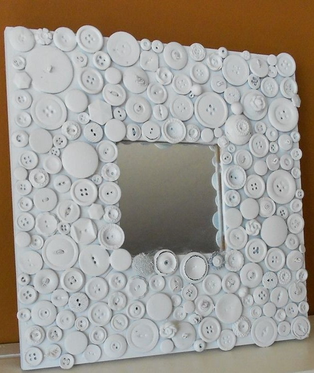 зеркало декорированное пуговицами