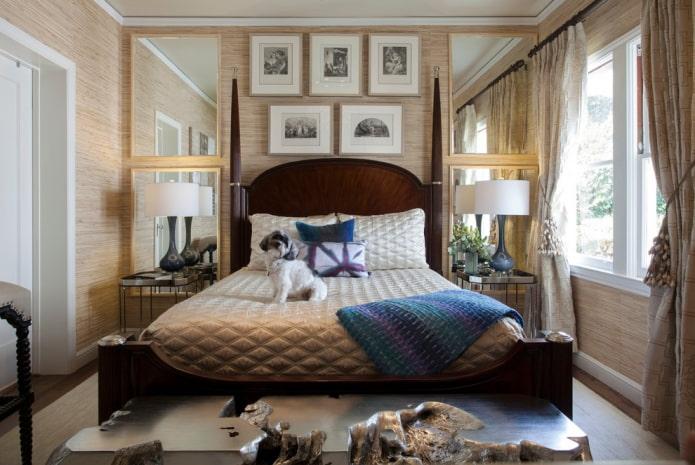 зеркало по бокам кровати в интерьере спальни