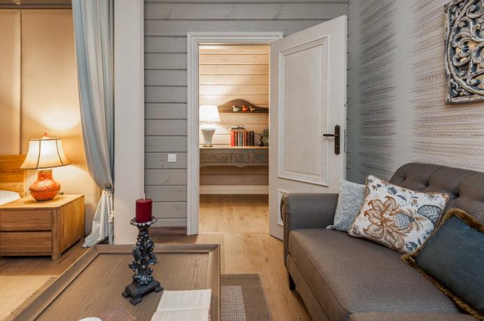 белые двери в интерьере в стиле прованс