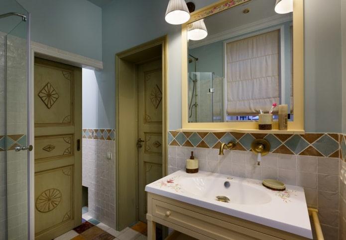 двери в интерьере ванной в стиле прованс