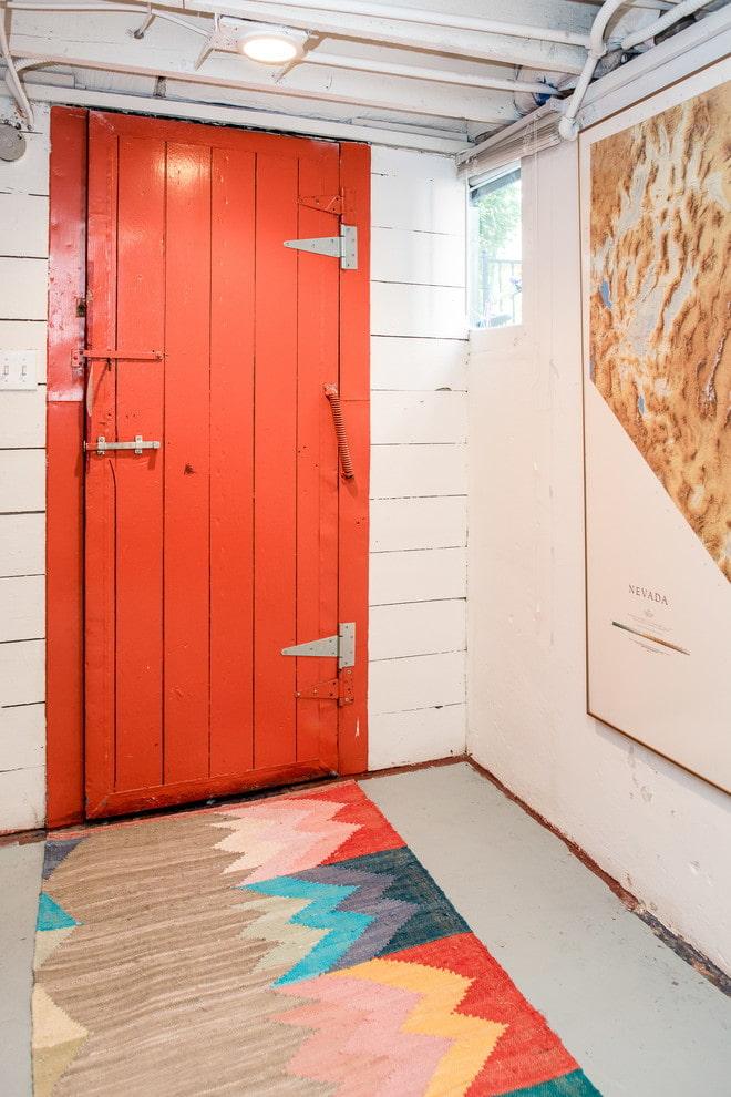 двери в интерьере в стиле лофт