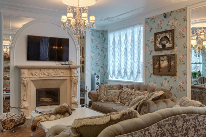 камин и телевизор в интерьере гостиной в классическом стиле