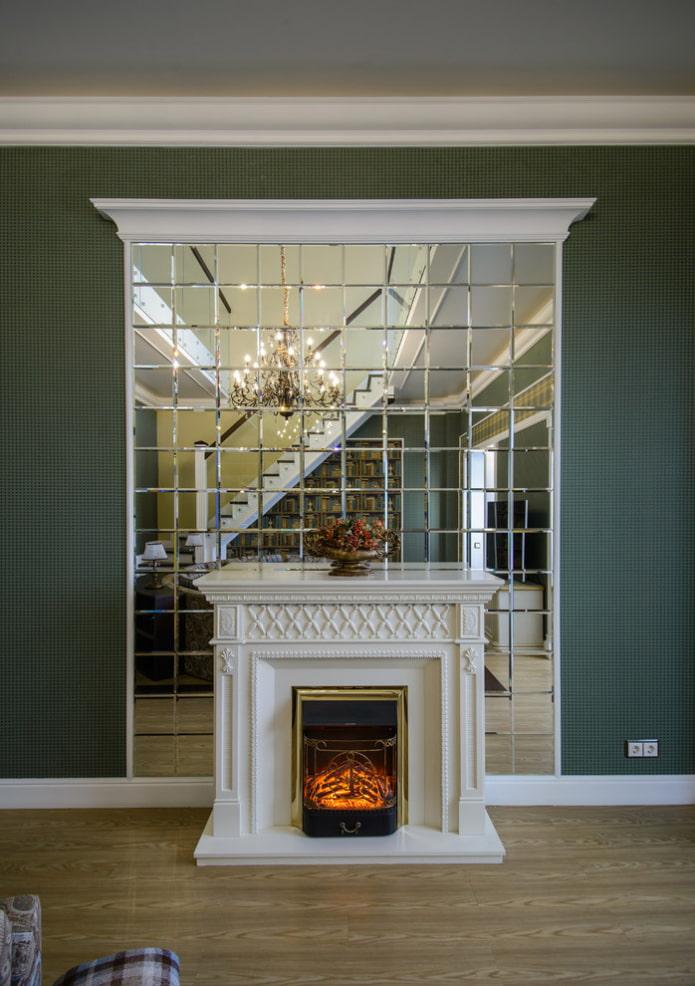 зеркало с гравировкой квадратами в интерьере