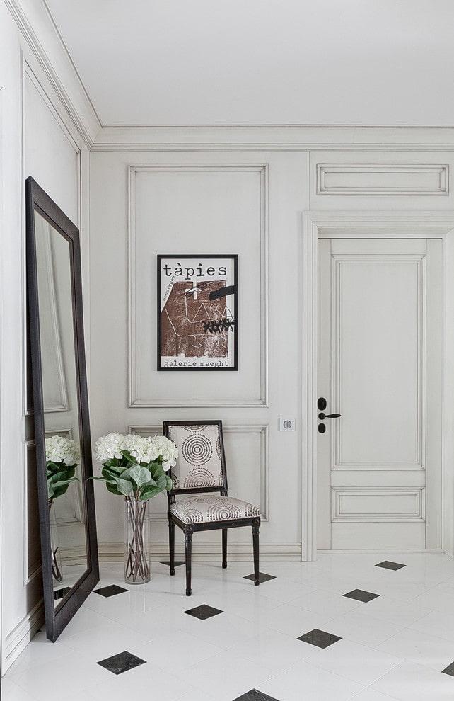 двери и пол одинакового цвета в интерьере