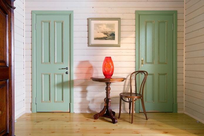 двери светло-зеленого оттенка в интерьере